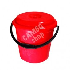 Bucket with a lid